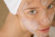 Какими масками пользоваться против угрей?