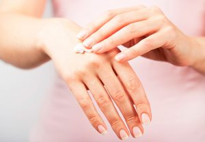 Как распознать псориаза на руках?