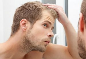 Наличие дерматита на голове