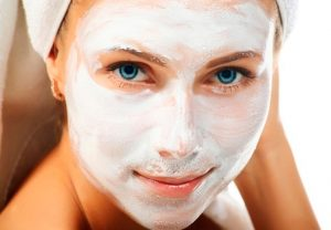 Белая маска на лицо от прищей