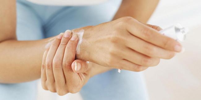 Недорогие негормональные и гормональные мази при дерматите у взрослых: отзывы